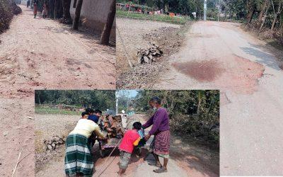 বহু আশায় বুক বেঁধে আছে রাস্তা সংস্কারের জন্য শিবগঞ্জ উপজেলার কয়েকটি গ্রামের মানুষ